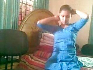 बड़े स्तन और निपल्स उंगलियों के साथ हिंदी बीएफ फुल मूवी एचडी चिकी