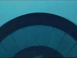 पिंक डिल्डो का उपयोग सेक्सी फिल्म फुल एचडी मीठे कर्व्स और चूत को खिलाने के लिए किया जाता है