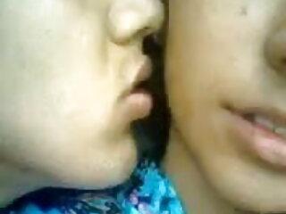 सुडौल श्यामला नताशा सेक्सी वीडियो फिल्म फुल एचडी में